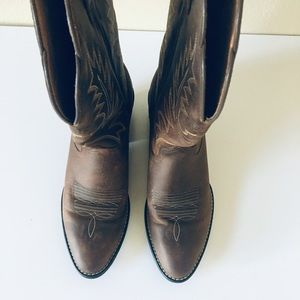 Ariat Shoes - Ariat Ladies R-Toe Western Boots